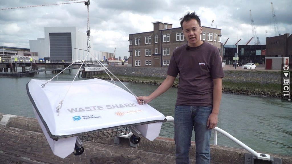 В Нидерландах испытали беспилотный катер-мусоросборщик