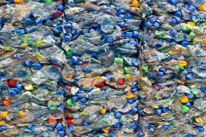 Пластиковые бутылки на переработку